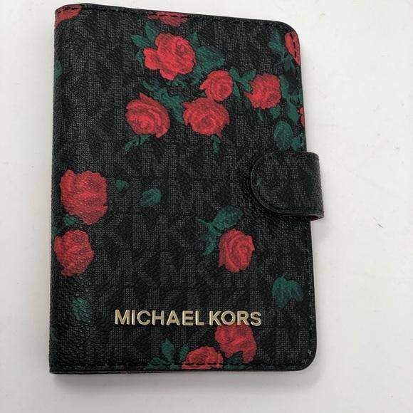 751ed70a4deb Michael Kors Bags | Jet Set Travel Passport Case Wallet | Poshmark